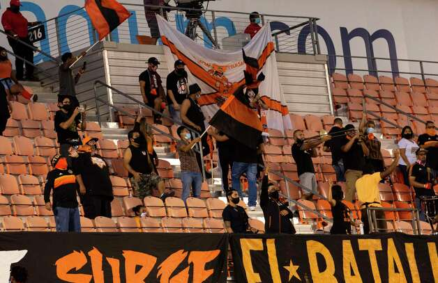 Houston Dynamo fans cheer for the team during the first half of a MLS match against the FC Dallas Wednesday, Oct. 7, 2020, at BBVA Stadium in Houston. Photo: Yi-Chin Lee, Staff Photographer / © 2020 Houston Chronicle