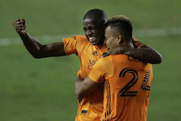 Houston Dynamo midfielder Darwin Ceren, right, celebrates his goal with penalty kick with Boniek Garcia (27) at the 83rd minute during the second half of a MLS match Wednesday, Oct. 7, 2020, at BBVA Stadium in Houston. Houston Dynamo defeated FC Dallas 2-0. Photo: Yi-Chin Lee, Staff Photographer / © 2020 Houston Chronicle