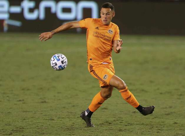 Houston Dynamo forward Christian Ramirez (13) gets a pass during the second half of a MLS match against the FC Dallas Wednesday, Oct. 7, 2020, at BBVA Stadium in Houston. Houston Dynamo defeated FC Dallas 2-0. Photo: Yi-Chin Lee, Staff Photographer / © 2020 Houston Chronicle