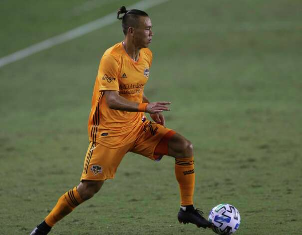 Houston Dynamo defender Sam Junqua (29) dribbles during the second half of a MLS match against the FC Dallas Wednesday, Oct. 7, 2020, at BBVA Stadium in Houston. Houston Dynamo defeated FC Dallas 2-0. Photo: Yi-Chin Lee, Staff Photographer / © 2020 Houston Chronicle