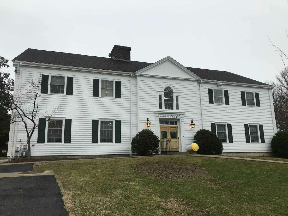 Two weeks after being passed by the Board of Selectmen, the Representative Town Meeting gave its stamp of approval on a resolution to buy a property on Quincy Street.