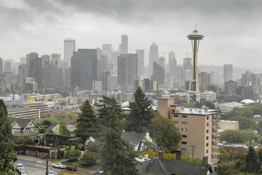 Overcast Seattle skyline with Space Needle Photo: Richard Wellenberger/Getty Images/iStockphoto