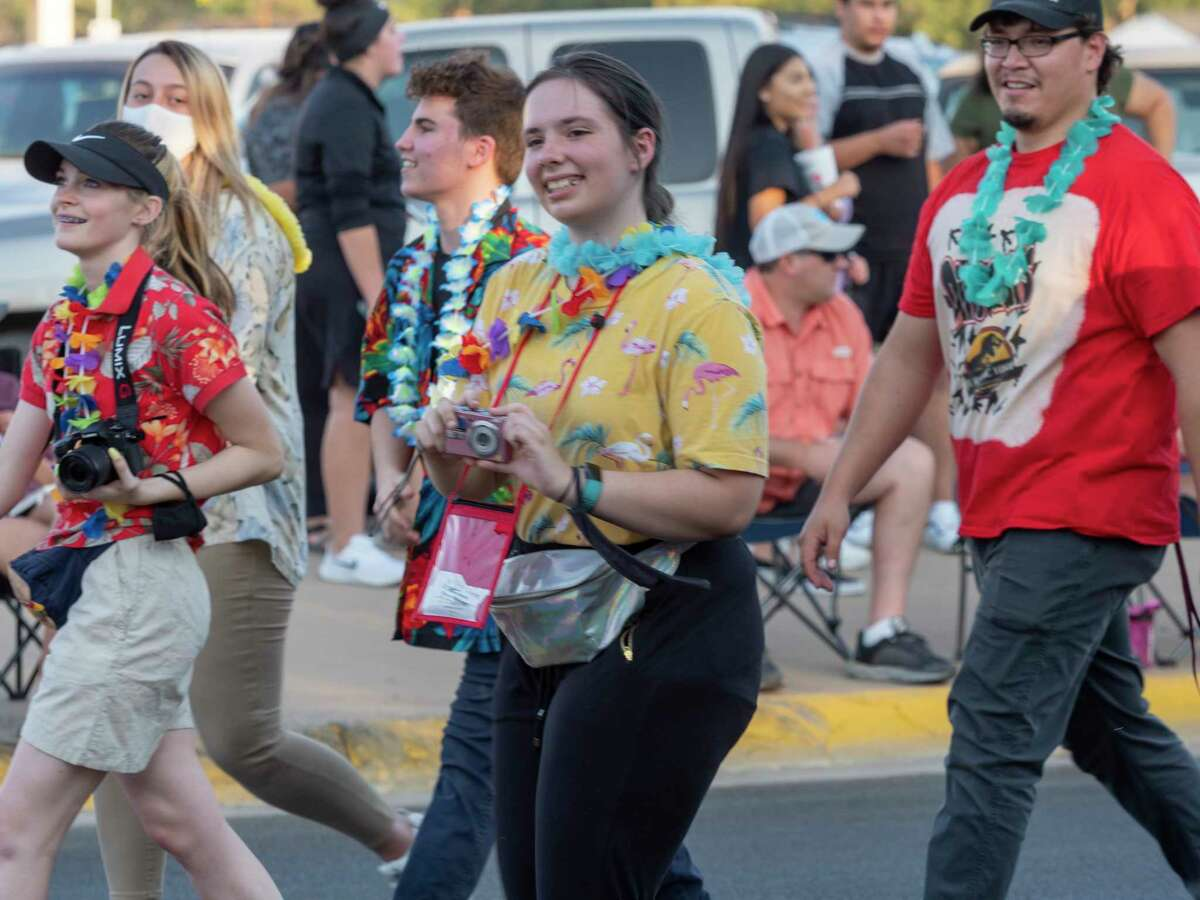 Lee High students, family and supporters come out 10/08/2020 for the 2020 homecoming parade. Tim Fischer/Reporter-Telegram
