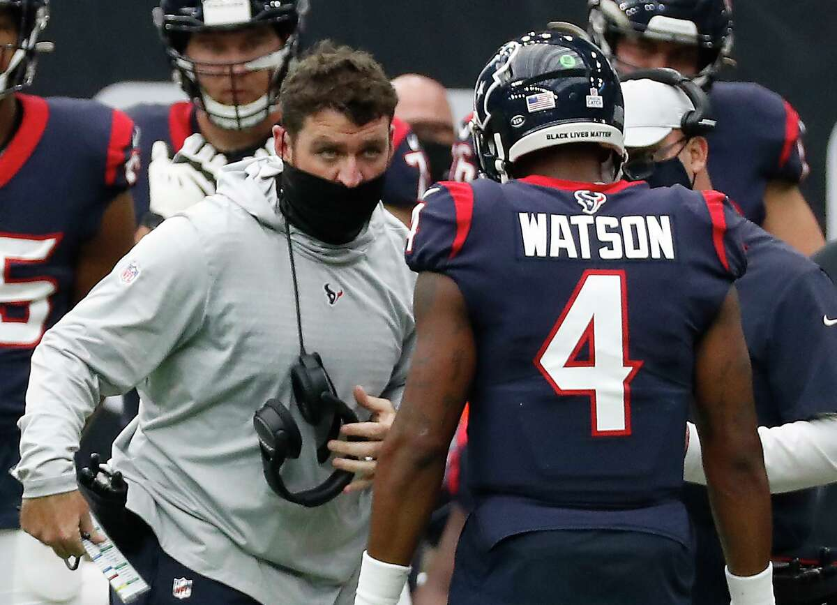 """Texans offensive coordinator Tim Kelly, left, says he wants to let quarterback Deshaun Watson """"do his thing on the field."""""""