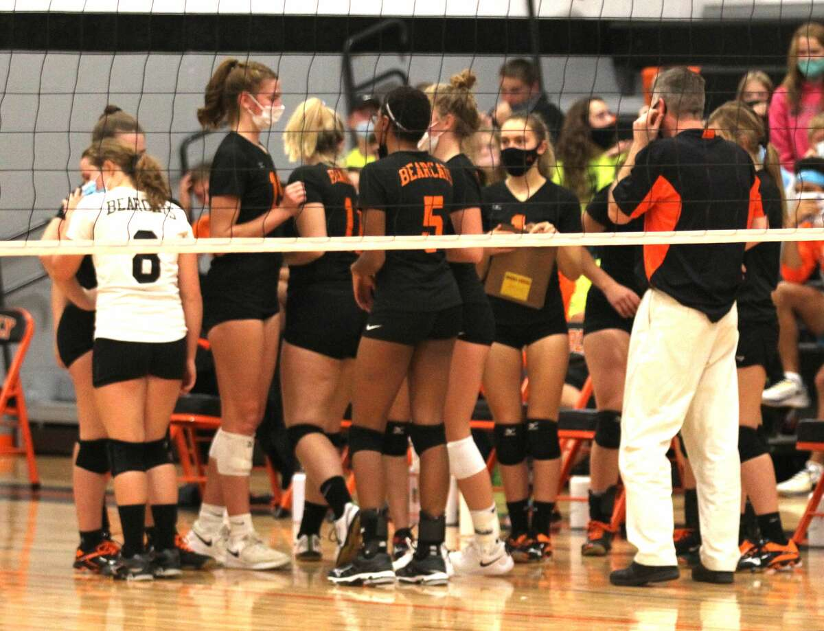 The Ubly varsity volleyball team lost a tough, five-set match to Brown City on Monday night, 20-25, 24-26, 25-13, 25-8, 10-15.