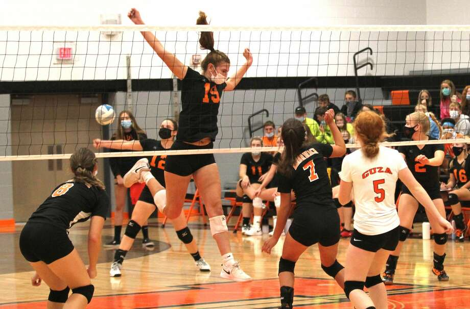 The Ubly varsity volleyball team picked up a sweep of visiting rival Harbor Beach on Thursday night. The Bearcats won, 25-17, 25-13, 25-14. Photo: Mark Birdsall/Huron Daily Tribune