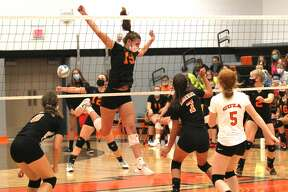 The Ubly varsity volleyball team picked up a sweep of visiting rival Harbor Beach on Thursday night. The Bearcats won, 25-17, 25-13, 25-14.