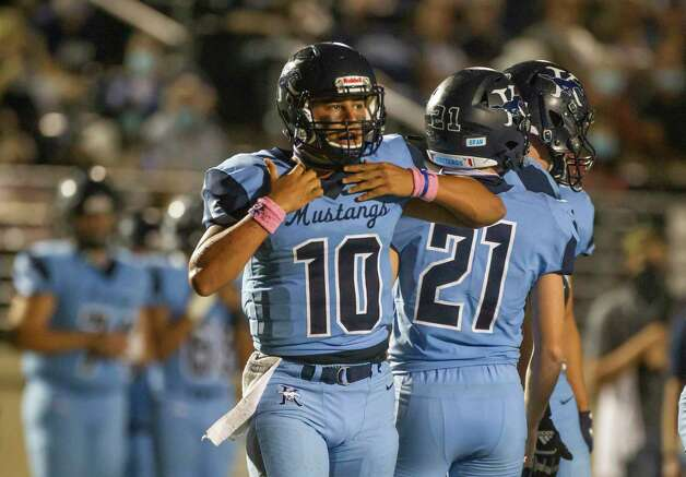 Kingwood quarterback Jonathan Mendoza picks himself up between plays during a game between the Huntsville Hornets and the Kingwood Mustangs on Thursday, Oct. 8, 2020, at George Turner Stadium in Humble. Photo: Mark Mulligan, Staff Photographer / © 2020 Mark Mulligan / Houston Chronicle