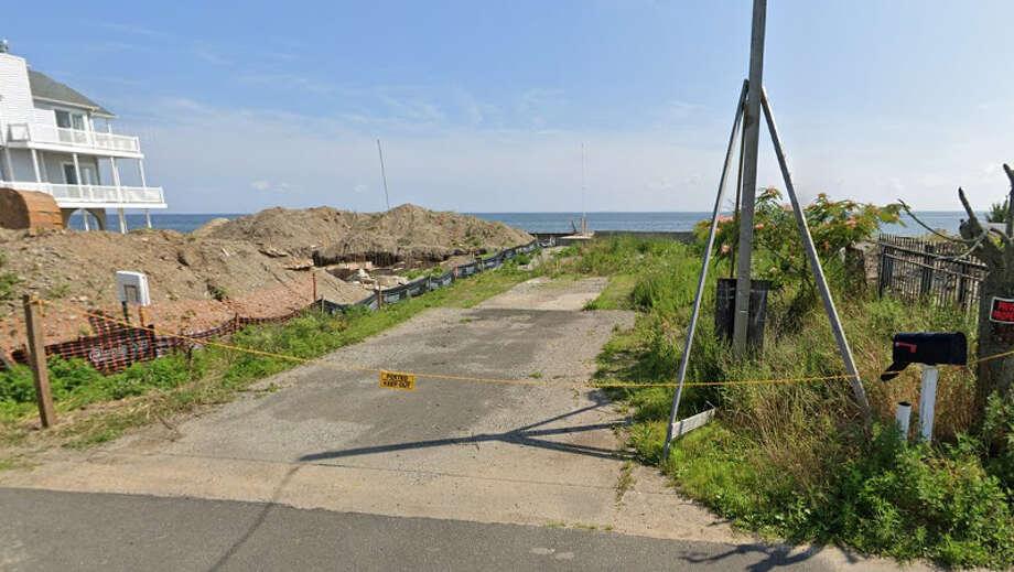 7 Point Beach Drive Photo: Google Street View