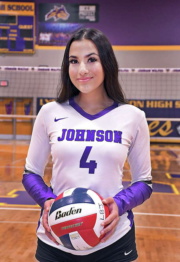 Isabella Martinez is aiming to help lead LBJ to a third straight postseason appearance. Photo: Cuate Santos /Laredo Morning Times / Laredo Morning Times