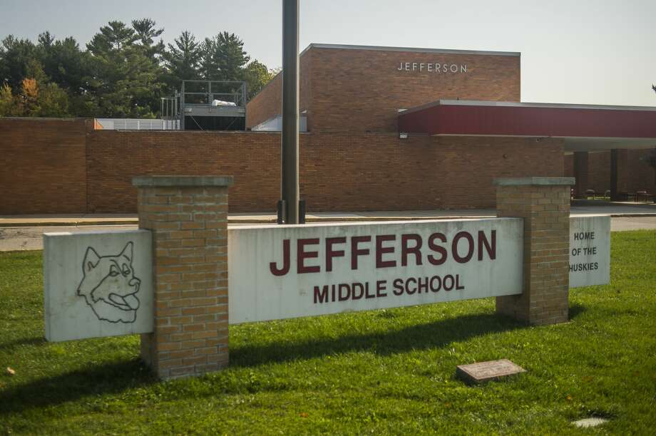 Jefferson Middle School in Midland is pictured Friday, Oct. 8, 2020. (Katy Kildee/kkildee@md.net) Photo: (Katy Kildee/kkildee@mdn.net)