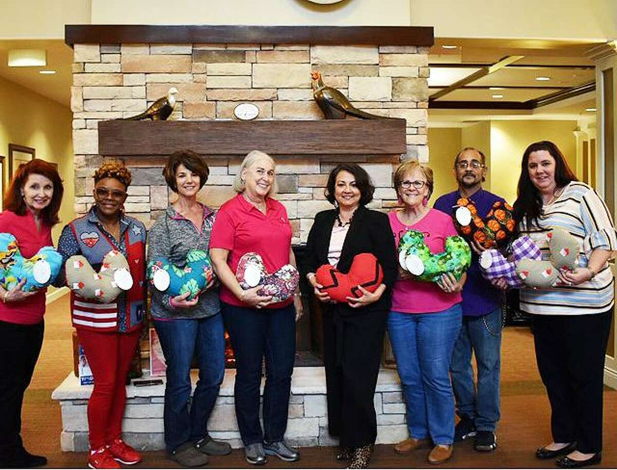 CWC makes heart shaped pillows for breast cancer procedure patients and to provide comfort to the elderly. In February 2020, we presented Heart Shaped pillows to the Heartis Nursing Home.