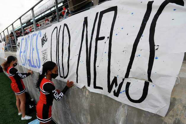 Porter fan signs are seen before a District 8-5A high school football game at Randall Reed Stadium, Friday, Oct. 9, 2020, in Porter. Photo: Jason Fochtman, Staff Photographer / 2020 © Houston Chronicle