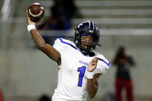 Dekaney quarterback Daelyn Williams (1) passes against the Spring Lions during the first half of a high school football game Friday, Oct. 9, 2020 at Planet Ford Stadium in Spring, TX. Photo: Michael Wyke, Contributor / © 2020 Houston Chronicle