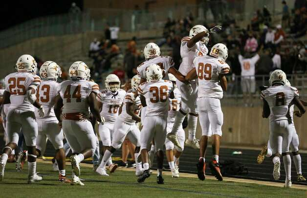 Dobie Longhorns players celebrating a touchdown during the third quarter of the game against Bush Broncos Friday, Oct. 9, 2020, at Hall Stadium in Missouri City. Photo: Yi-Chin Lee, Staff Photographer / © 2020 Houston Chronicle