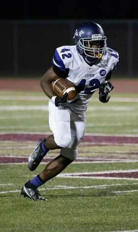 Lufkin running back Justavian Fann (42) runs the ball after catching a kick off during the third quarter of a District 8-5A (Div. I) play against Magnolia West at Mustang Stadium in Magnolia, Friday, Oct. 9, 2020. Photo: Gustavo Huerta, Staff Photographer / 2020 © Houston Chronicle