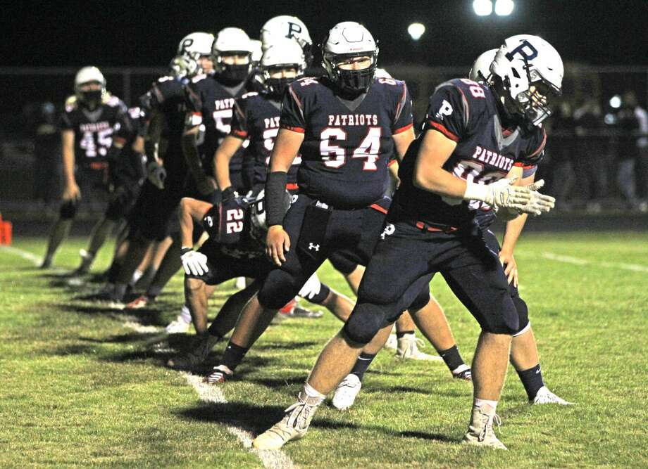 The Unionville-Sebewaing Area varsity football team traveled on Friday night to Vassar, where the Patriots blew out the Vulcans, 45-0. Photo: Mark Birdsall/Huron Daily Tribune