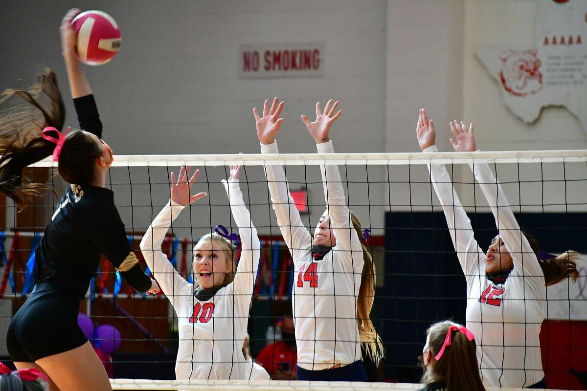 Plainview suffered a 3-0 loss to Amarillo in a District 3-5A volleyball match on Saturday, Oct. 10, 2020 in the Dog House at Plainivew High School.