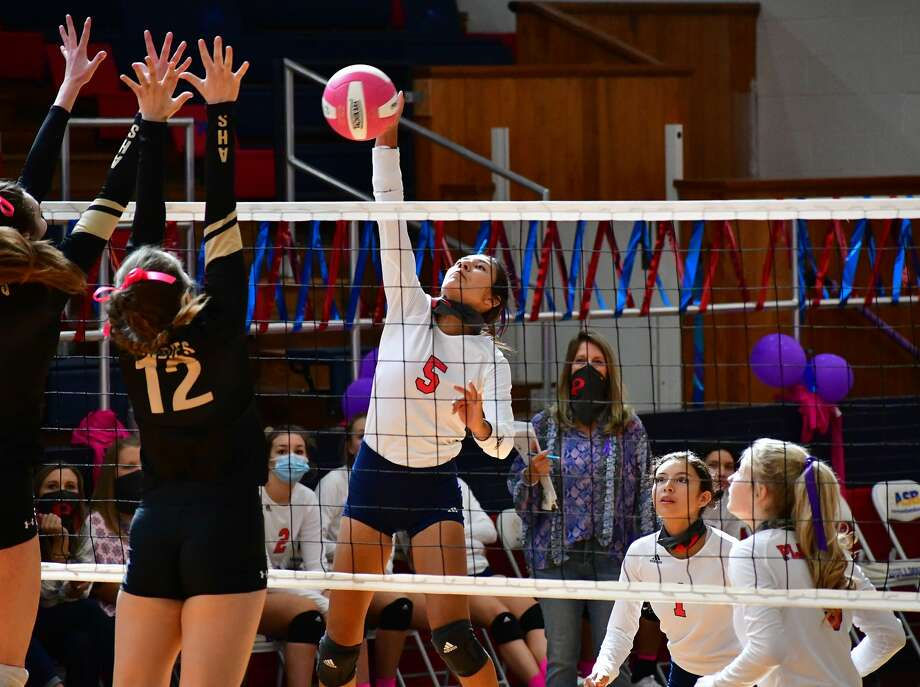 Plainview suffered a 3-0 loss to Amarillo in a District 3-5A volleyball match on Saturday, Oct. 10, 2020 in the Dog House at Plainivew High School. Photo: Nathan Giese/Planview Herald