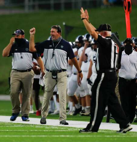 College Park head coach Lonnie Madison shouts instructions during the second quarter of a non-district high school football game at Edward Mercer Stadium, Saturday, Oct. 10, 2020, in Sugar Land. Photo: Jason Fochtman, Staff Photographer / 2020 © Houston Chronicle