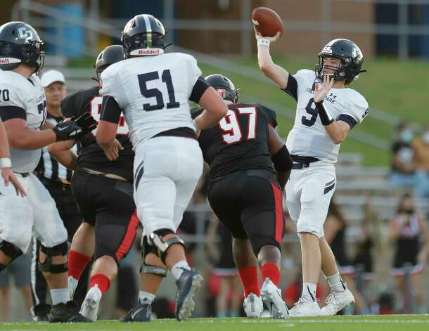College Park quarterback Hank Hudson (9) throws a pass during the second quarter of a non-district high school football game at Edward Mercer Stadium, Saturday, Oct. 10, 2020, in Sugar Land. Photo: Jason Fochtman, Staff Photographer / 2020 © Houston Chronicle