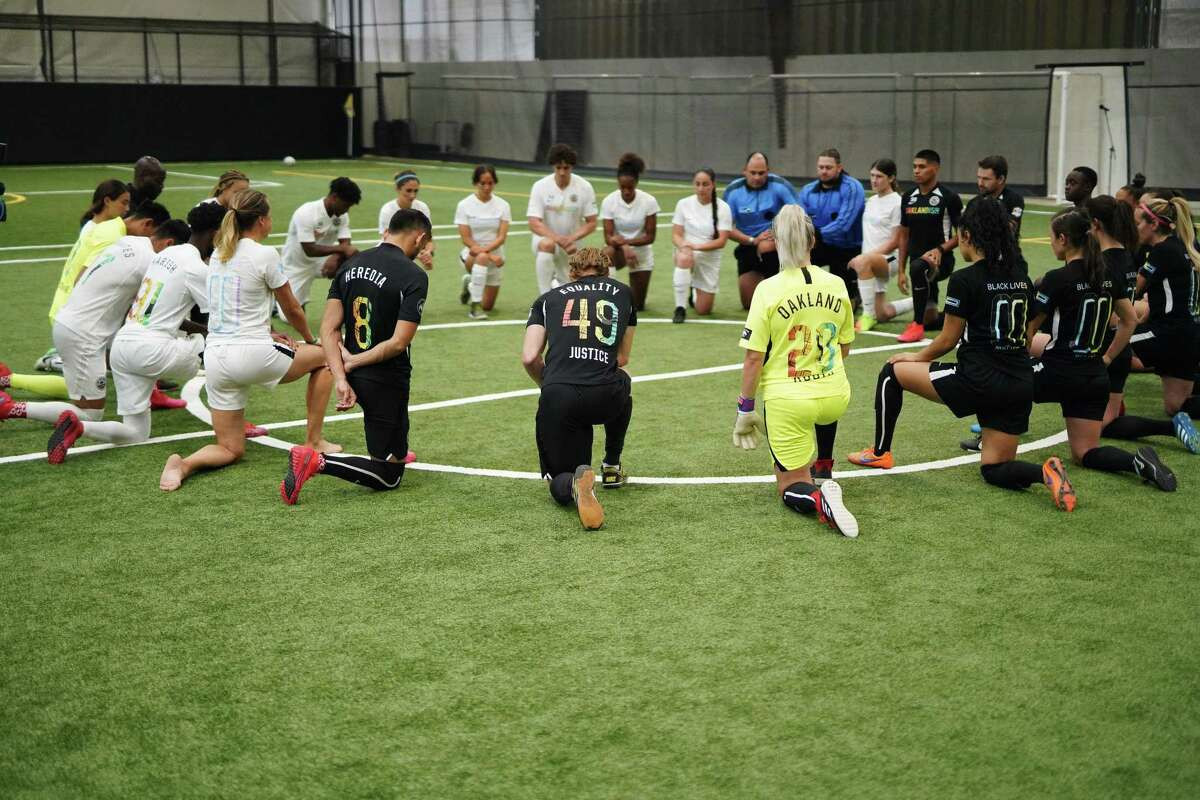 Scenes from the Oakland Roots Justice Match on Oct. 10, 2020.