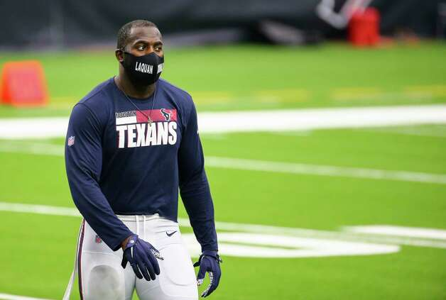 Houston Texans outside linebacker Whitney Mercilus (59) wears a facemark with the name Laquan McDonald on it during warmup before the NFL game against the Jacksonville Jaguars at NRG Stadium on Sunday, Oct. 11, 2020, in Houston. McDonald, 17, was fatally shot by a Chicago Police officer on October 20, 2014. Photo: Godofredo A. Vásquez, Staff Photographer / © 2020 Houston Chronicle