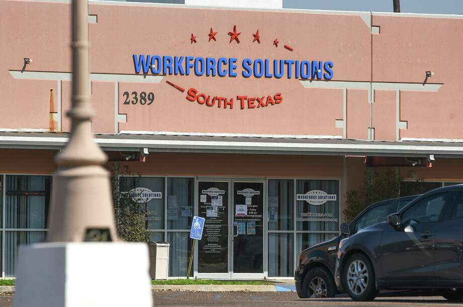 """South Texas Workforce Solutions is aiming to help veterans secure employment throughout November highlighted by the """"Hiring Red, White & You"""" event. Photo: Danny Zaragoza / Laredo Morning Times File"""