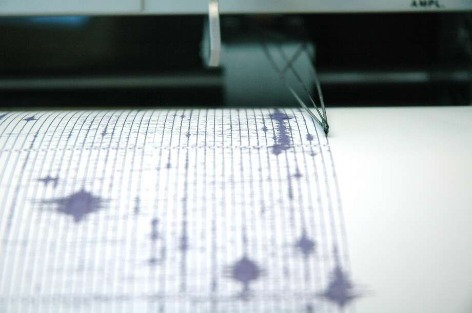 A seismograph records earthquake data. Although earthquakes are rare in Illinois, the state is near two seismic zones and has experienced quakes in the past. Photo: Furchin / Furchin