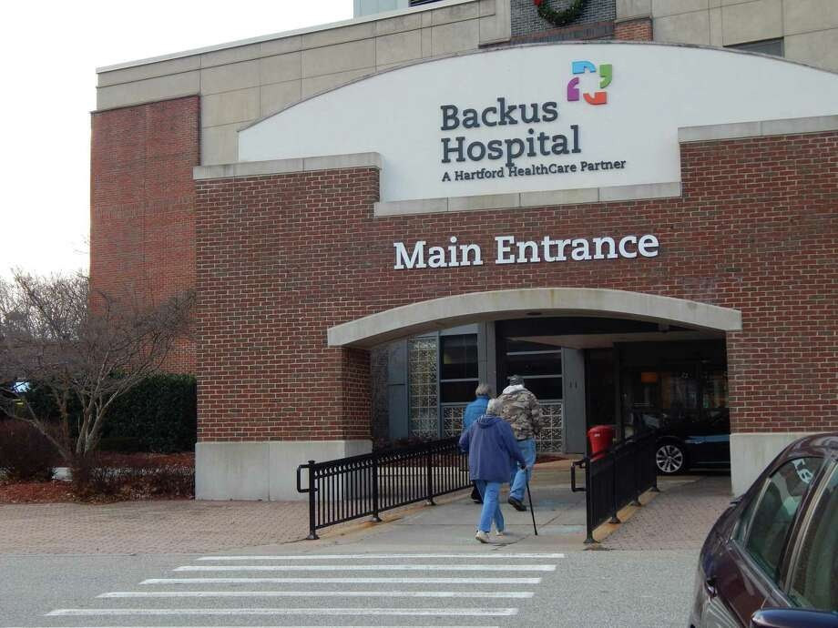 More than 400 nurses at Backus Hospital in Norwich began a two-day strike on Tuesday over a contract dispute as the hospital's COVID-19 cases has been on the rise. Photo: Arielle Levin Becker / CTMirror.org