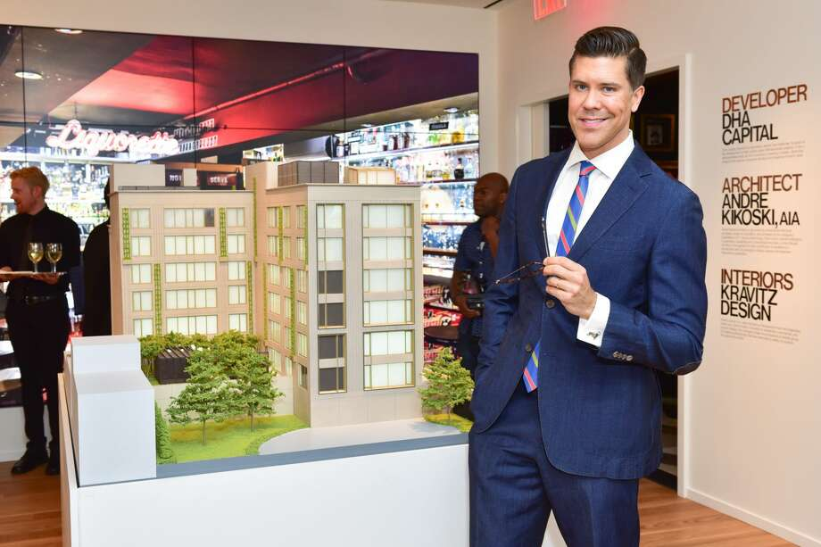 Fredrik Eklund attends Fredrik Eklund and Lenny Kravitz Celebrate Launch of DHA Capital's 75 Kenmare at 584 Broadway on February 23, 2017 in New York City. Photo: Sean Zanni/Patrick McMullan Via Getty Image / 2017 Patrick McMullan