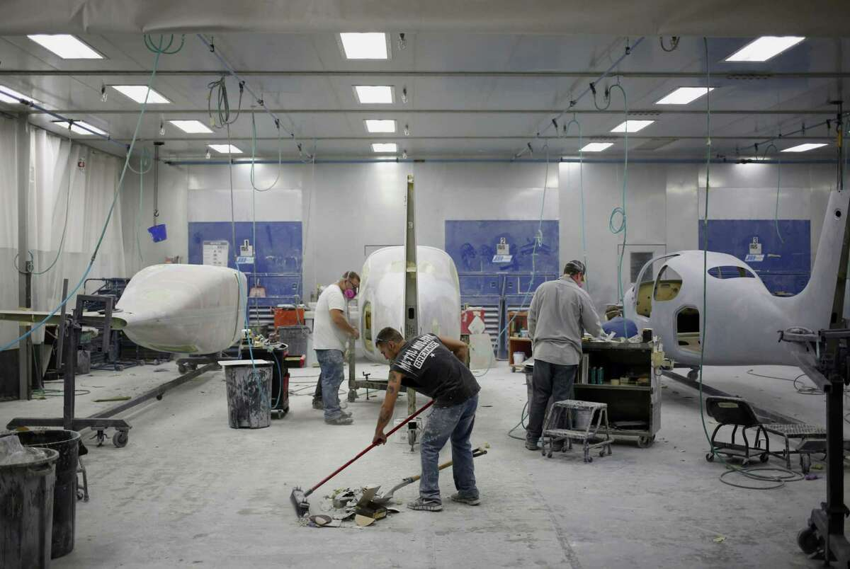 Workers at Cirrus Aircraft, an Aviation Industry Corp. of China (AVIC) company, in Duluth, Minn., in 2015.