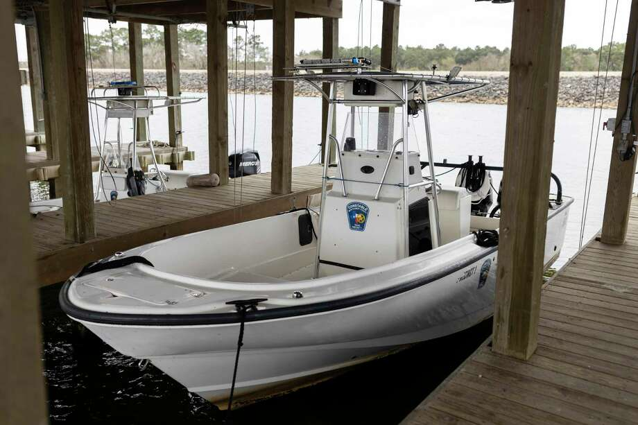 Securing a boat to a dock is only one use for lines and cleats. Photo: Gustavo Huerta, Houston Chronicle / Staff Photographer / Houston Chronicle