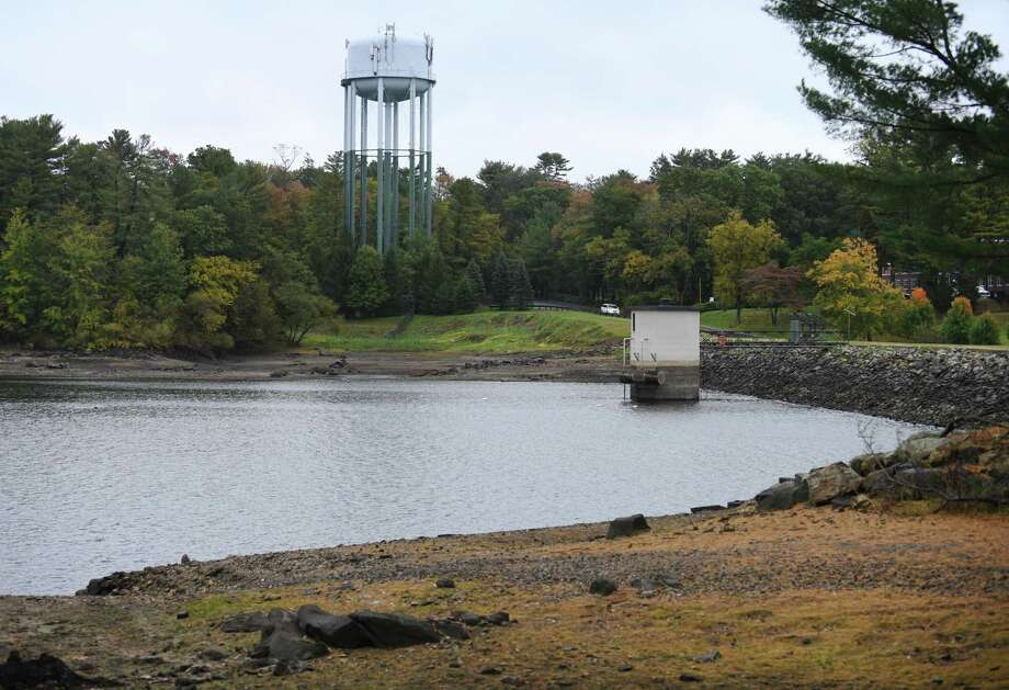 Water levels are low at Putnam Reservoir in Greenwich, Conn. Monday, Oct. 12, 2020. Some rain has boosted the reservoir levels since then but officials remain concerned about the level of water going into next spring. Photo: Tyler Sizemore / Hearst Connecticut Media / Greenwich Time