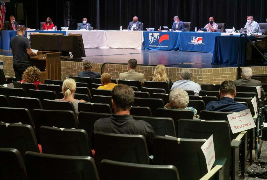 MISD board members listen to public speakers 10/14/2020  during a special meeting on the renaming of Robert E. Lee High School. Tim Fischer/Reporter-Telegram Photo: Tim Fischer, Midland Reporter-Telegram