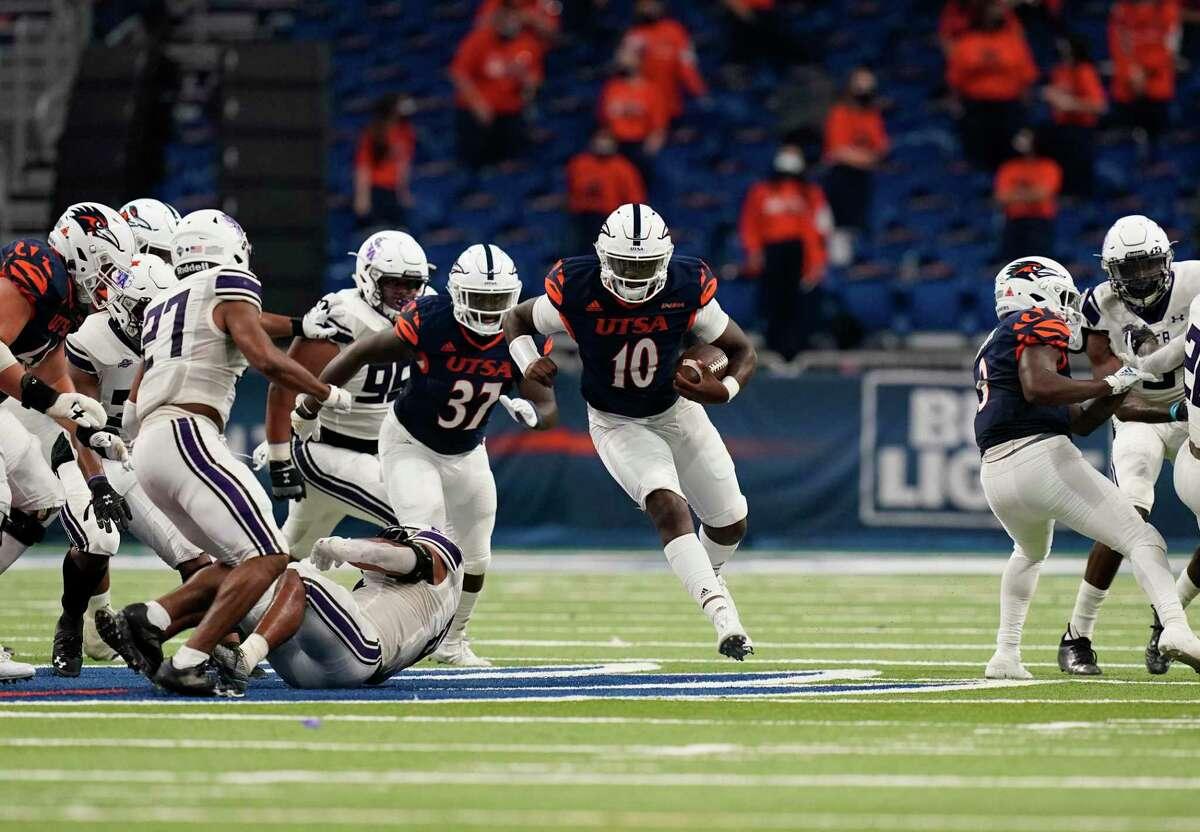 UTSA quarterback Lowell Narcisse (10) runs against Stephen F. Austin during the second half of an NCAA college football game, Saturday, Sept. 19, 2020, in San Antonio. (AP Photo/Eric Gay)