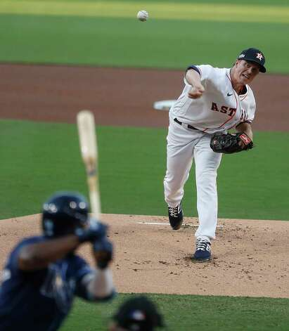 Houston Astros Zack Greinke (21) throws to Tampa Bay Rays Randy Arozarena during the first inning of Game 4 of the American League Championship Series at Petco Park Wednesday, Oct. 14, 2020, in San Diego. Photo: Karen Warren, Staff Photographer / © 2020 Houston Chronicle