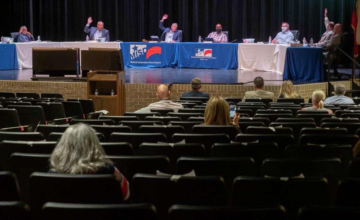 MISD School Board members vote 5-2 to rename LHS, Legacy High School, 10/14/2020 during a special meeting on the renaming of Robert E. Lee High School. Tim Fischer/Reporter-Telegram
