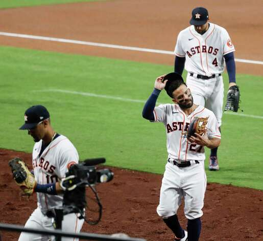 Houston Astros Jose Altuve (27) comes off the field after throwing out Tampa Bay Rays Yoshi Tsutsugo to end the the fifth inning of Game 4 of the American League Championship Series at Petco Park Wednesday, Oct. 14, 2020, in San Diego. Photo: Karen Warren, Staff Photographer / © 2020 Houston Chronicle