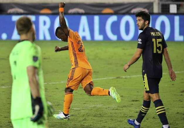 Houston Dynamo forward Darwin Quintero (23) celebrates his goal at the 75th minute during the second half of a MLS game against the Nashville SC Wednesday, Oct. 14, 2020, at BBVA Stadium in Houston. Houston Dynamo lost to Nashville SC 3-1. Photo: Yi-Chin Lee, Staff Photographer / © 2020 Houston Chronicle