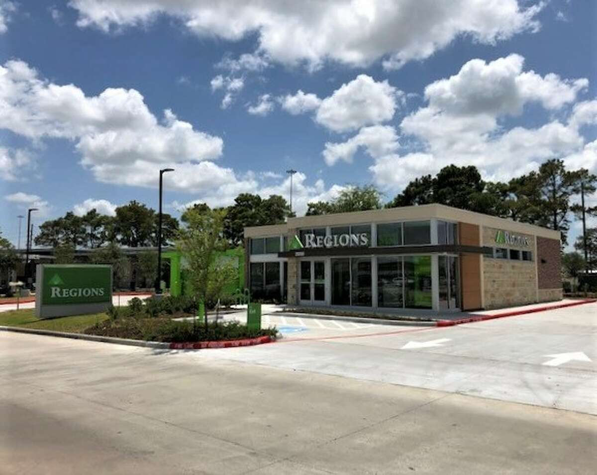 Regions Bank opened a branch at 28350 Northwest Freewayin Fairfield Place in Cypress.