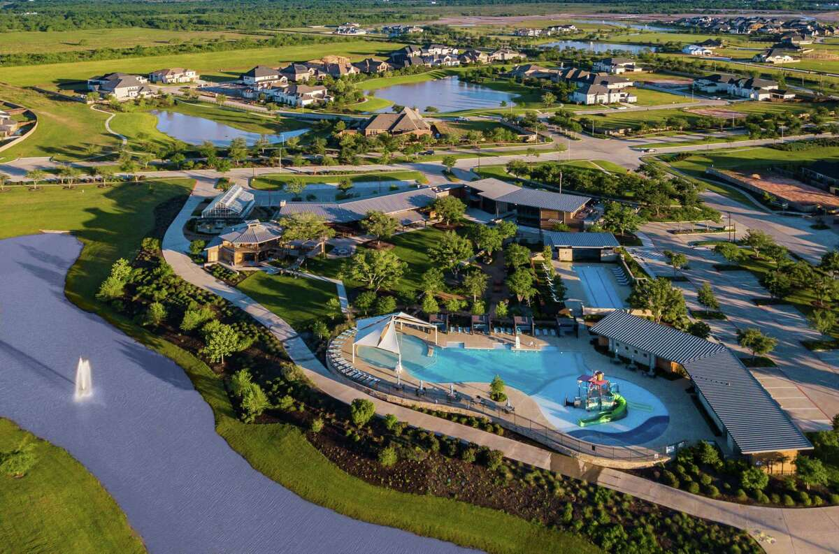 Cane Quarter offers Cane Island residents opportunities for year-round fitness and recreation.