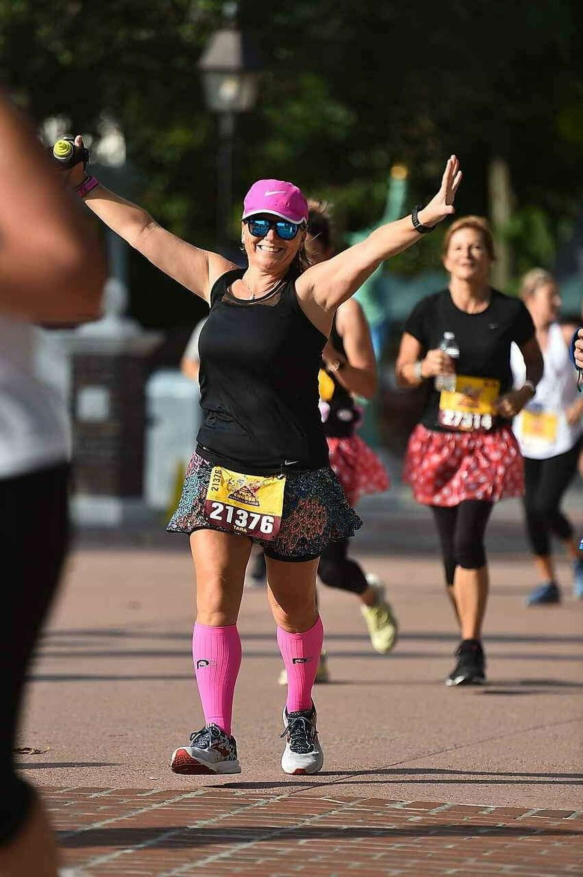 Avid Bay Area runner Tara Ready is eager to promote breast cancer awareness after her own experience with the illness.