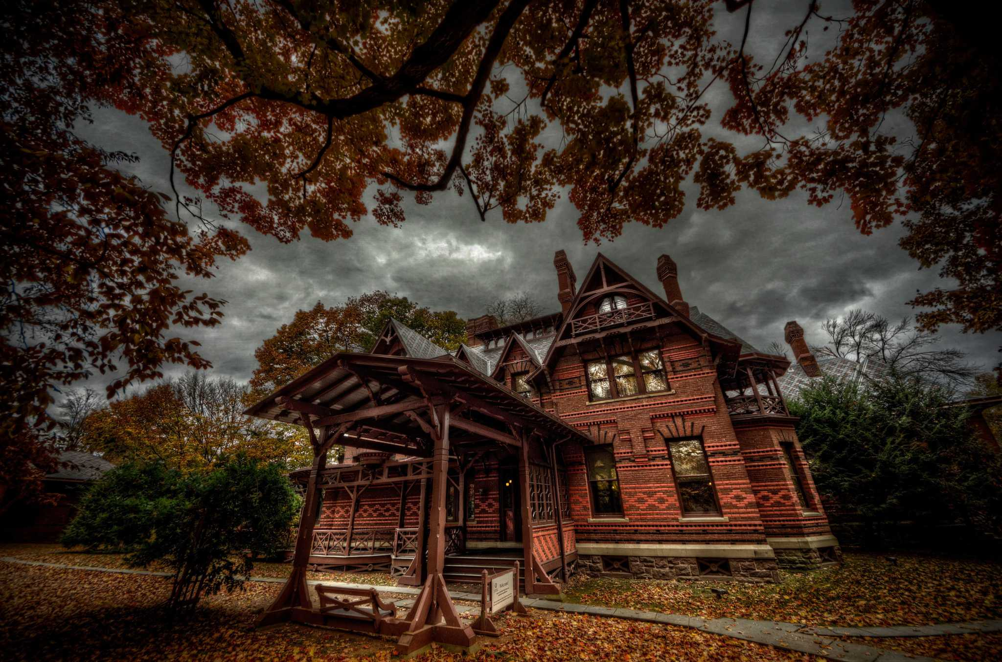Why TV's 'Ghost Hunters' series has made multiple visits to CT's Mark Twain House