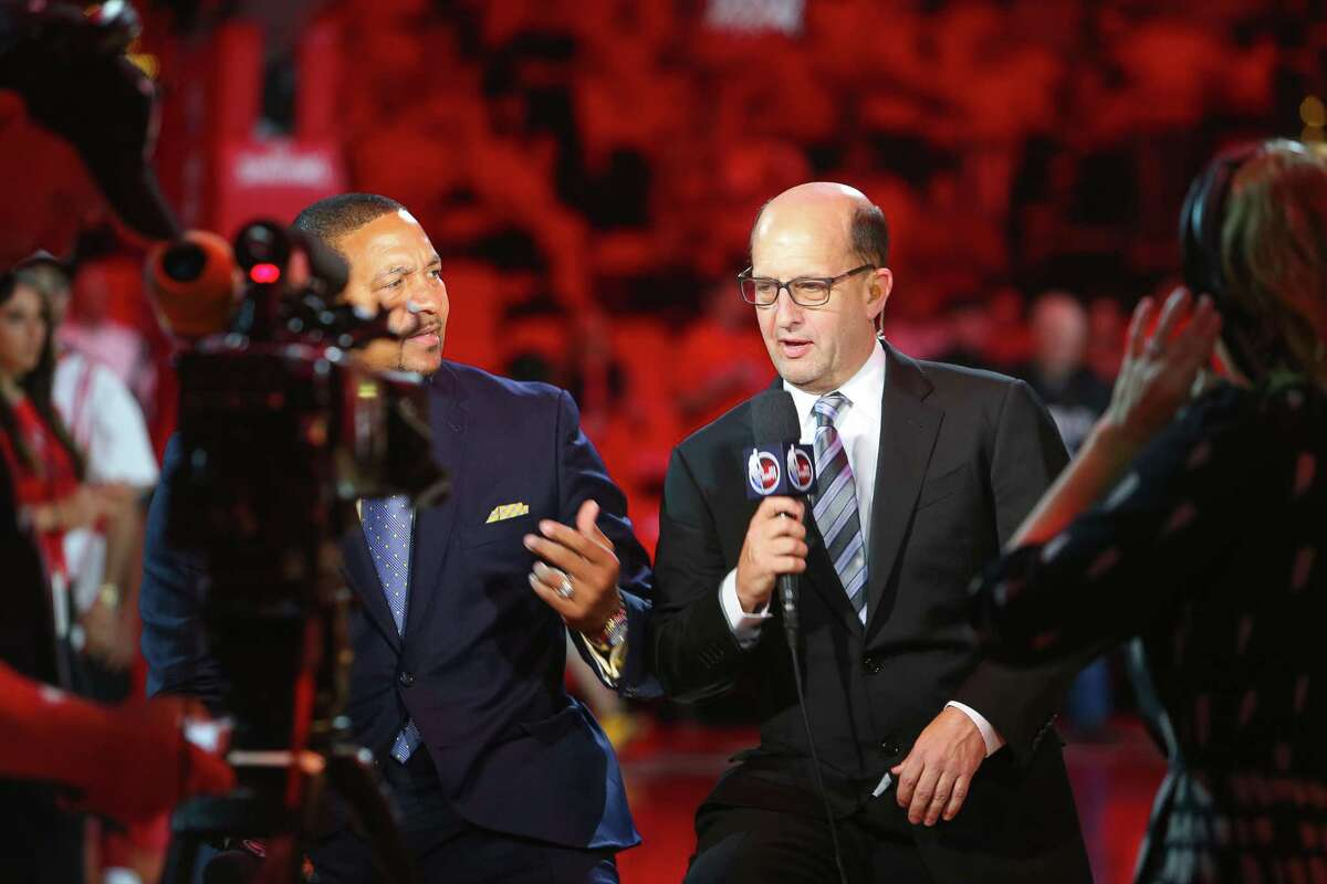 ESPN's Jeff Van Gundy (right) will be alongside fellow analyst Mark Jackson for Friday's Mavericks-Lakers game in Los Angeles but otherwise will be calling games from his Houston home amid the coronavirus pandemic.