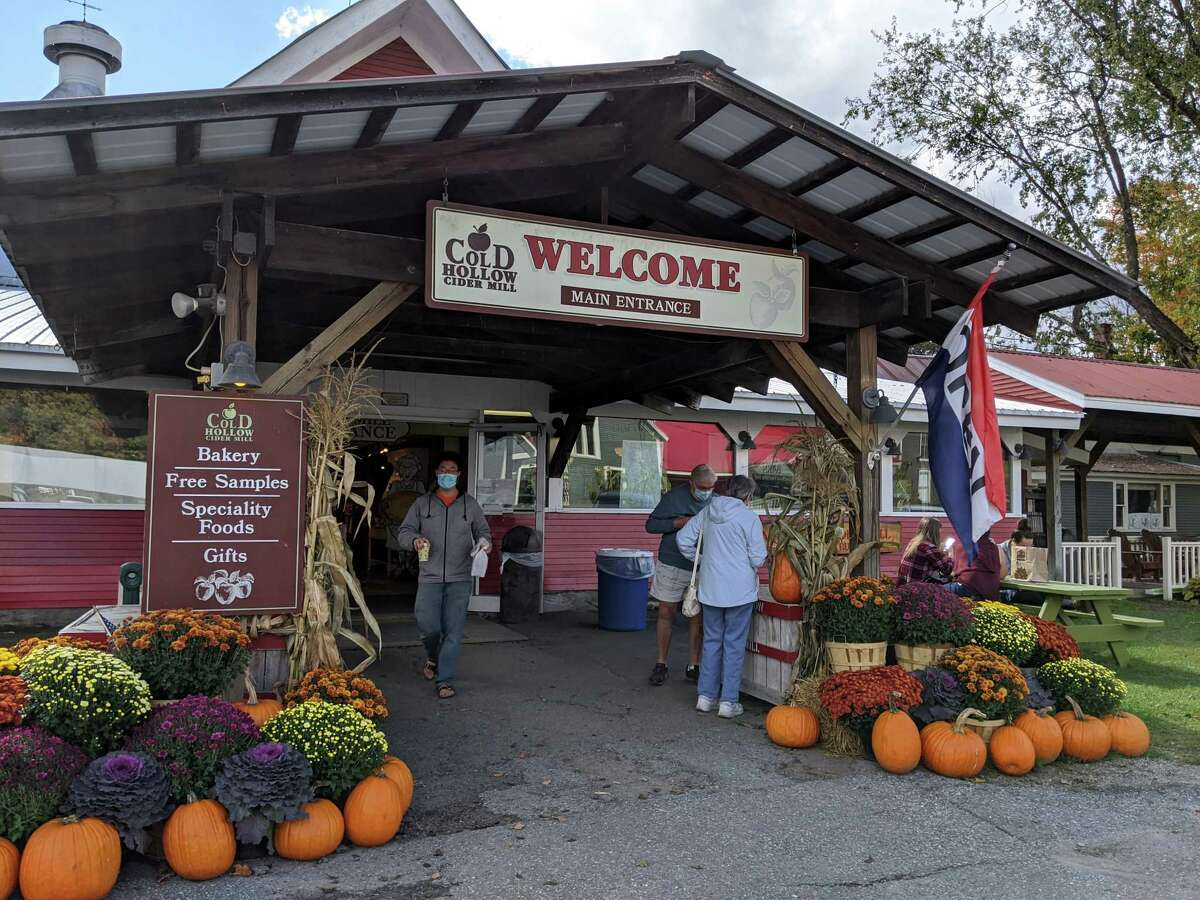The main entrance of Cold Hollow Cider Mill in Waterbury Center, Vt. Guests at hotels and other lodging must sign a certificate of compliance stating that they have followed the state's coronavirus rules.