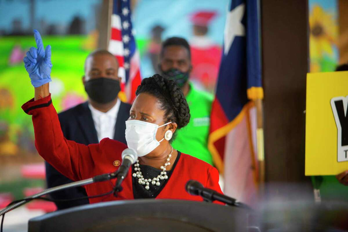 Congresswoman Sheila Jackson Lee pleads to a virtual audience to respond to the 2020 Census in a pavilion at Blackshear Elementary on Thursday, Oct. 15, 2020.