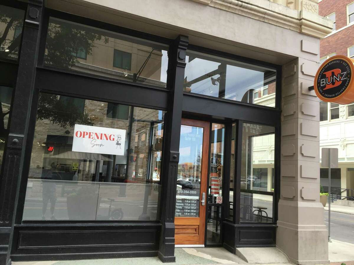 Bunz Handcrafted Burgers is a new downtown restaurant on Houston Street set to open Oct. 22.