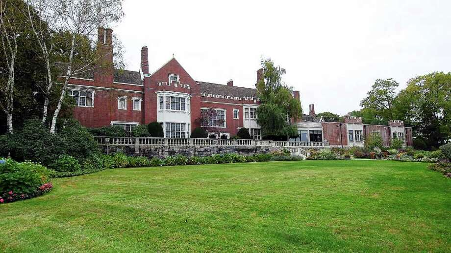 The Helmsley Estate on Round Hill Road, Greenwich, also known as Dunnellen Hall. Photo: File Photo / Greenwich Time File Photo