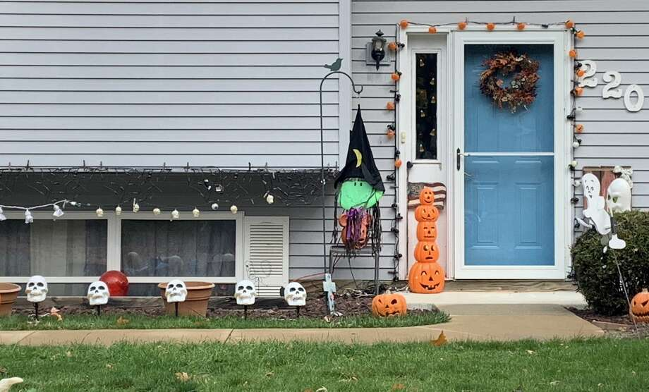 Images of Halloween/autumn decorations from around Midland Photo: Fred Kelly/fred.kelly@mdn.net